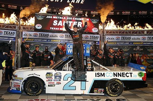 Johnny Sauter secures place in Championship 4 with Texas win