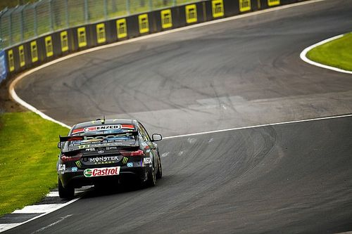 Pukekohe Supercars: Waters tops title contenders in Practice 2