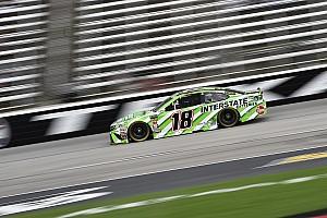 NASCAR Sprint Cup Crónica de Carrera Kyle Busch vence a su hermano Kurt en la etapa 2 en Texas