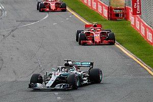 """Hamilton verrast: """"Raikkonen is ineens heel snel"""""""