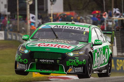 Barbagallo V8s: Winterbottom hangs on to win Sunday thriller
