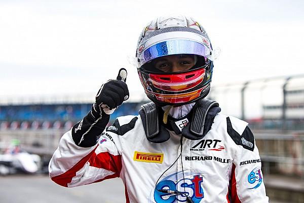 Элбон выиграл гонку и вышел в лидеры сезона GP3