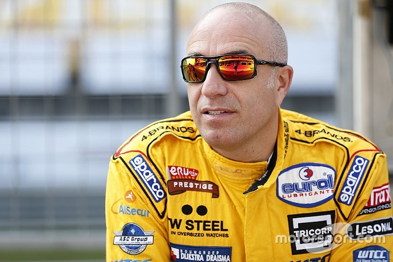 Coronel to stick with ROAL and Chevrolet for 2017