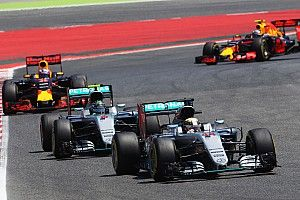 Wolff: Spain 'pain' means lesson learned for Rosberg/Hamilton