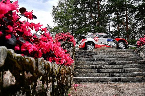 Finland WRC: Meeke remains first, Ogier gets stuck