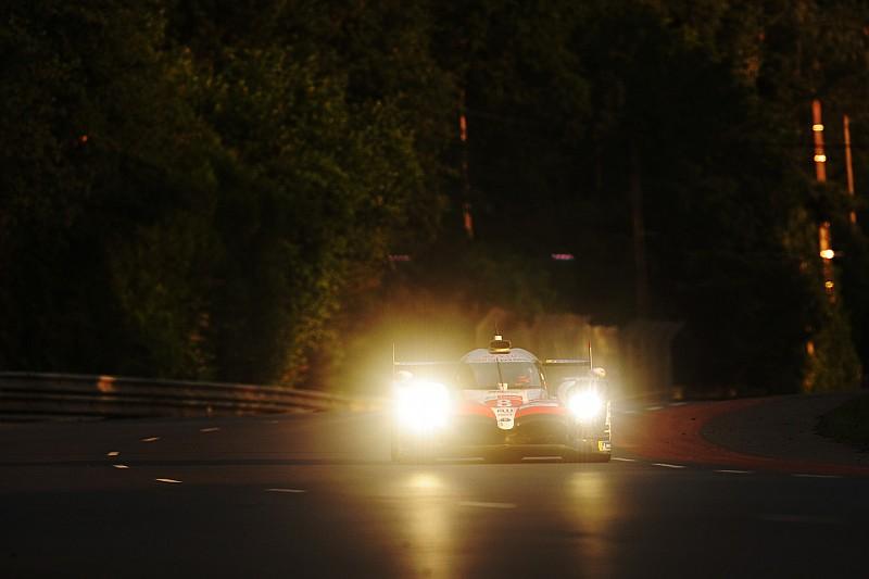 Le Mans: el amanecer y Nakajima colocan líder al Toyota de Alonso