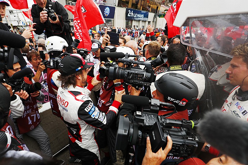 """Alonso: """"La emoción que tengo ahora es mucho más grande que el cansancio"""""""