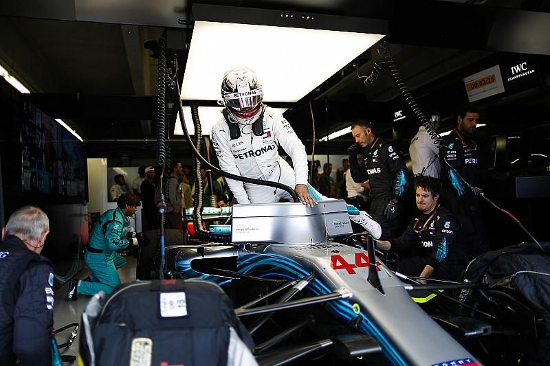 """Hamiltonnak tetszik, mennyire nyílt és """"önkritikus"""" a Mercedes"""