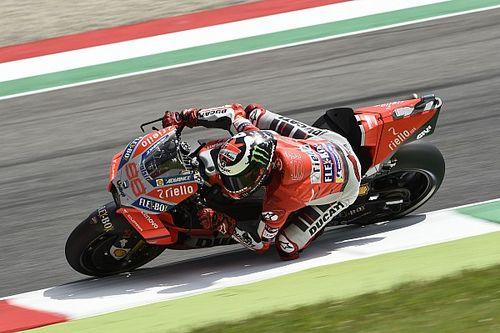 Лоренсо одержал первую победу в составе Ducati