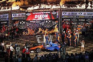 Scott Dixon vince al Texas Speedway e si porta in testa al campionato