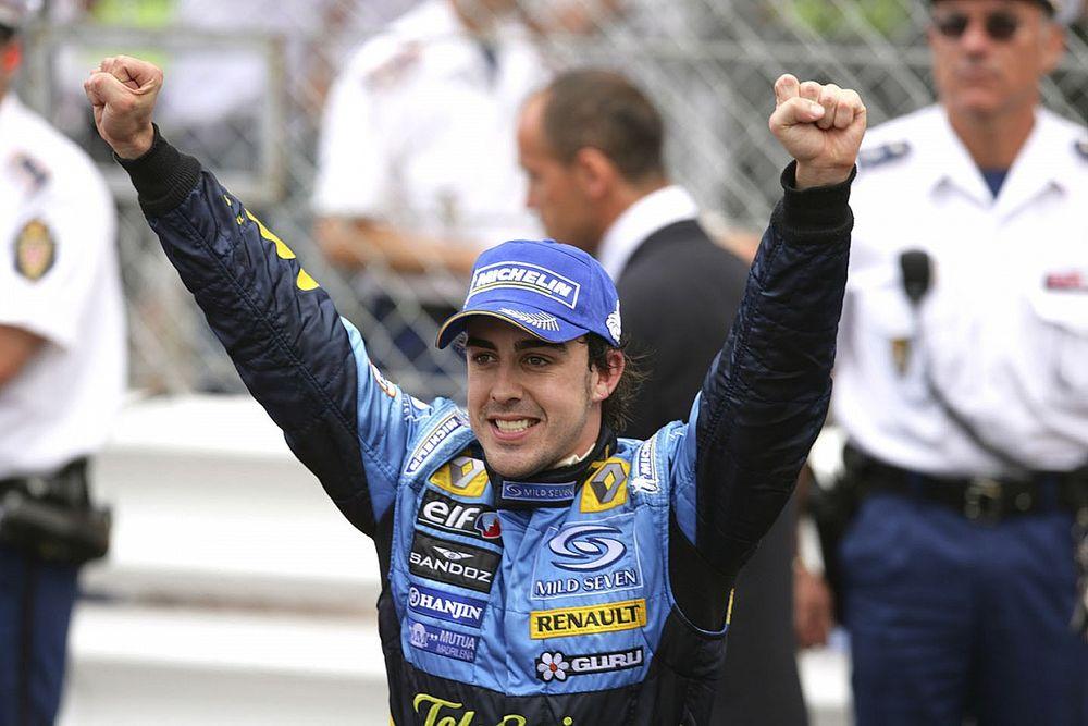 """最強のドライバーを目指して……40歳で未だ進歩止まらぬアロンソ「2005年の自分に""""片手""""で勝てる」"""