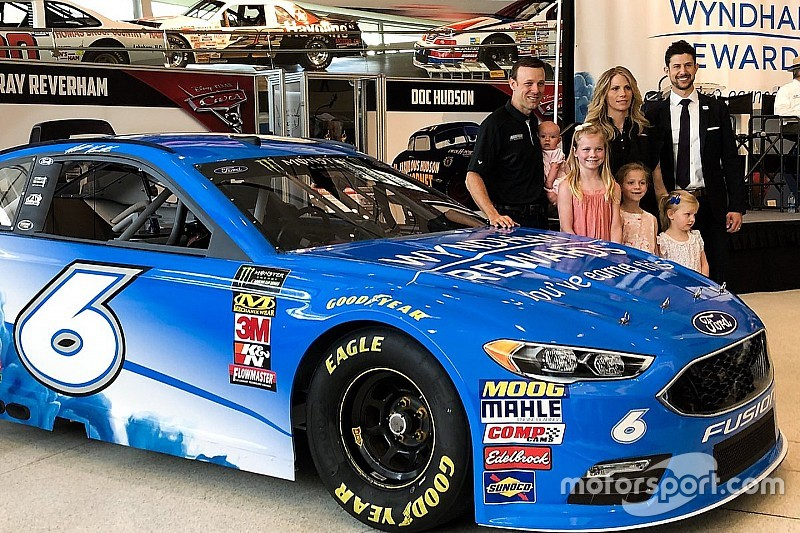 Kenseth vuelve a NASCAR con Roush Fenway Racing