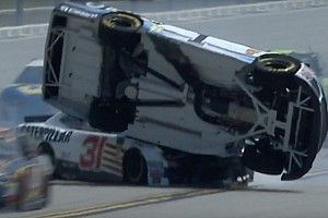 McMurray fastest, goes airborne in final practice at Talladega - video