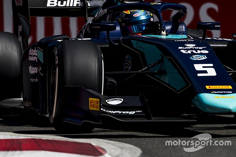 Элбон завоевал поул на этапе Формулы 2 в Баку