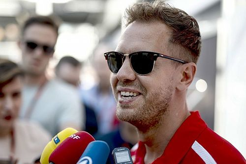 """Vettel: """"¡No puedo ayudar a Ricciardo a firmar el contrato!"""""""