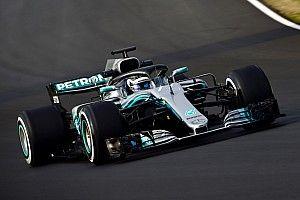 GALERI: Aksi mobil Mercedes W09 di tes F1 Barcelona