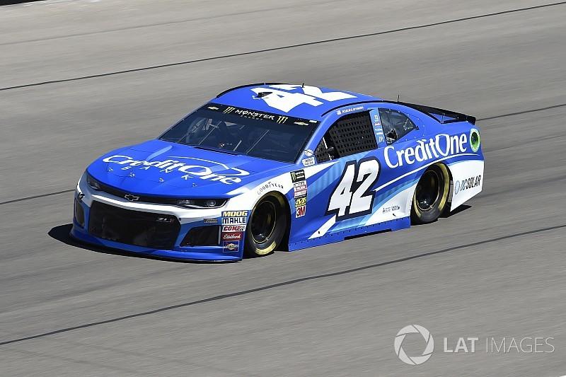 Kyle Larson leads second Cup practice at Las Vegas