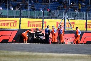 FP3 GP Inggris: Hamilton teratas, Hartley kecelakaan dramatis
