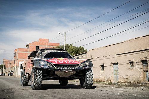 Sainz salva un complicado día y sigue líder del Dakar