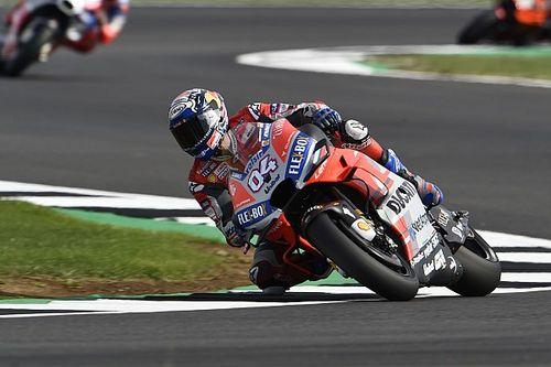 Silverstone, Libere 2: Dovizioso porta la Ducati davanti a tutti, ma Honda e Yamaha sono veloci