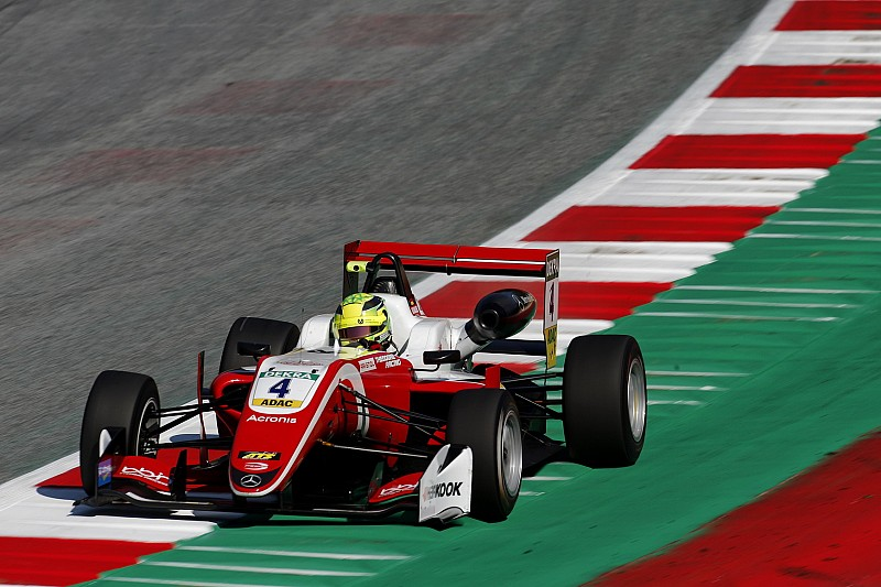Шумахер выиграл пятую гонку Ф3 подряд