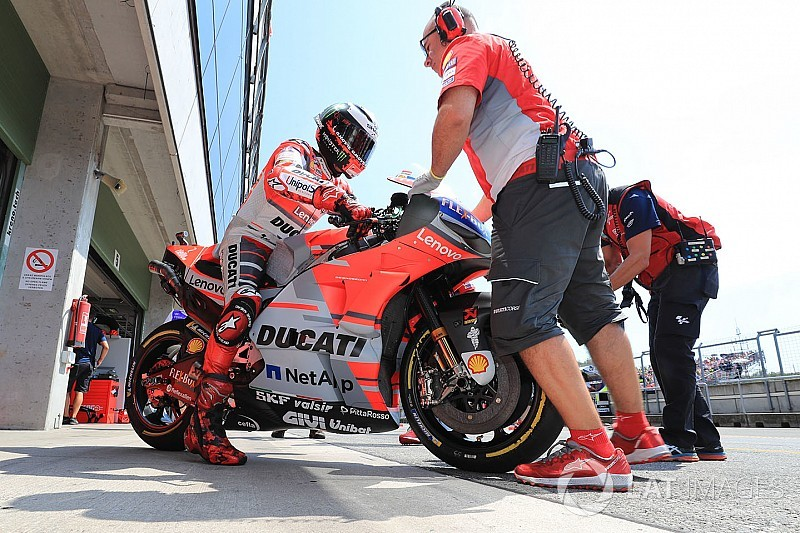 Ducati poursuit ses comparaisons de châssis et de carénages