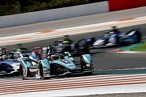 Video: 2019/20 Formula E araçlarının sesleri