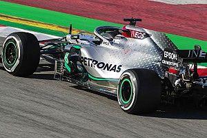 Mercedes везет в Австрию новые детали и новое топливо