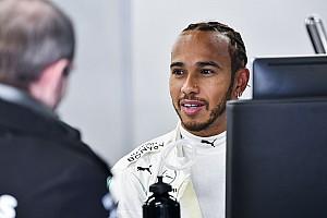 Hamilton wzywa do rozsądku