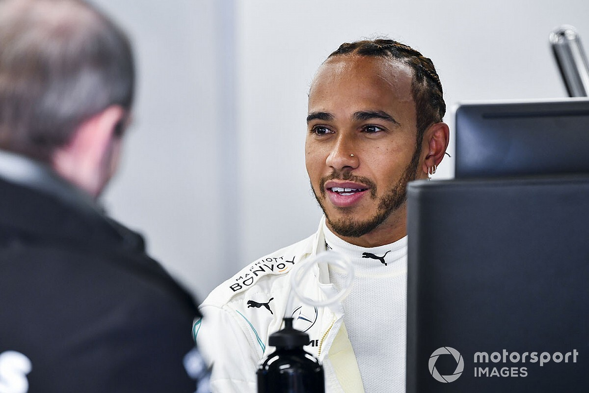 "Hamilton avoiding Esports but busy ""racing himself"""