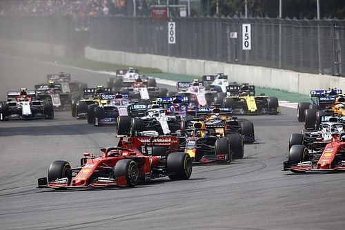 """Vettel """"n'a pas vu Hamilton"""" à cause de ses rétroviseurs"""