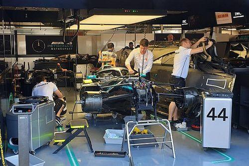 Mercedes ontdekt hydraulisch lek op wagen Hamilton