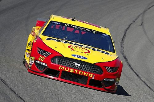 Joey Logano fends off Bowman for Stage 1 win at Michigan