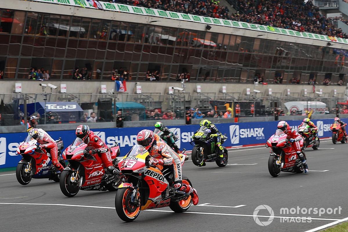 MotoGP cambia las penalizaciones por adelantarse en la salida