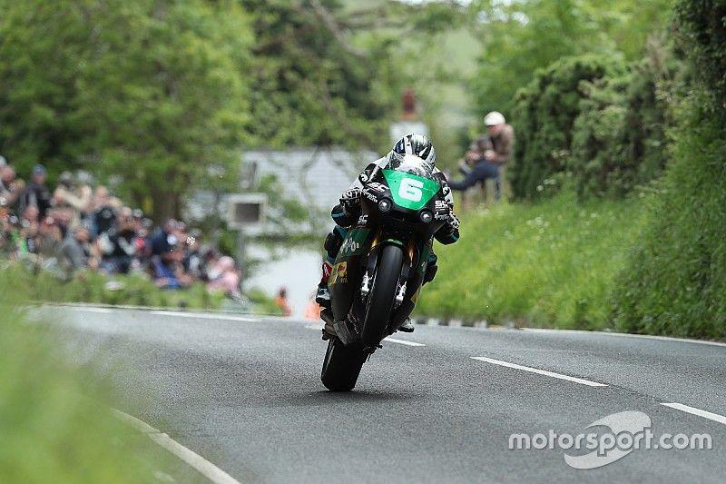 Isle of Man TT: Michael Dunlop wins Lightweight thriller