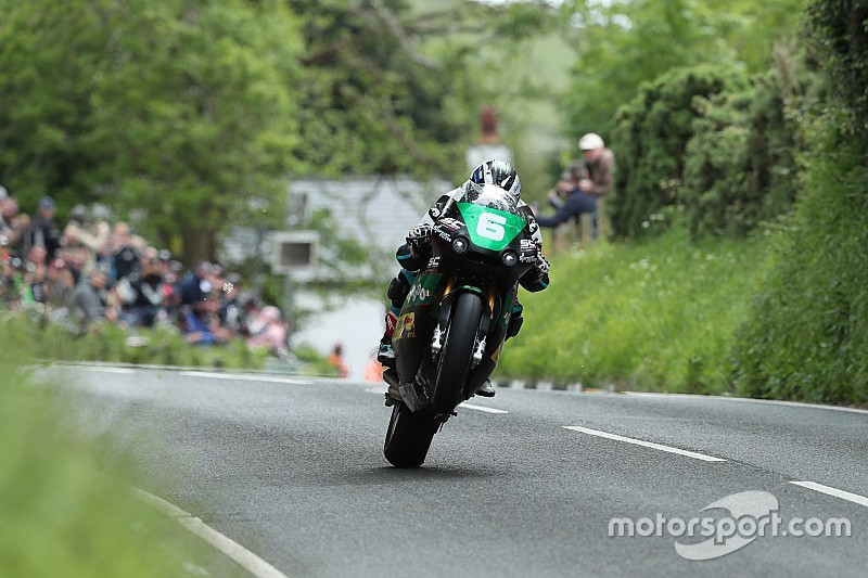 Isle of Man TT: Michael Dunlop wins Lightweight thriller