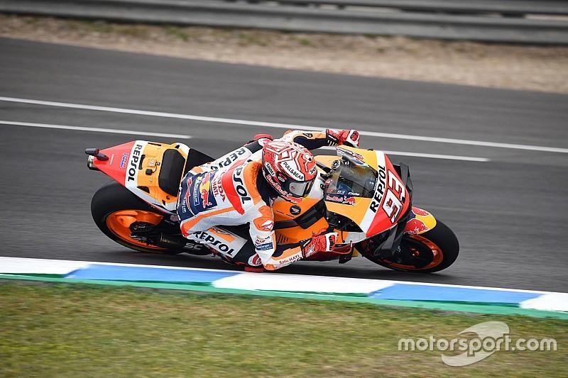 MotoGP, Jerez, Libere 4: Marquez di un soffio su Vinales, brutta caduta per Iannone