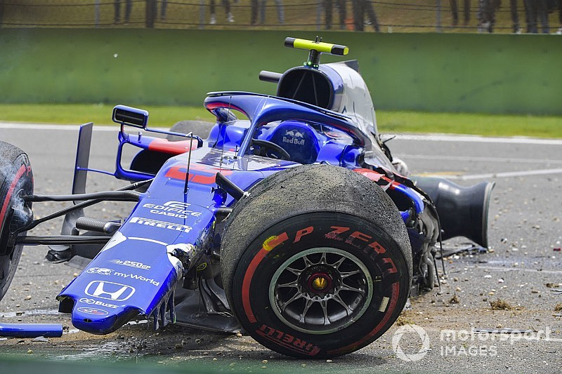 Albon gets new Honda engine after FP3 crash