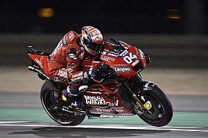 Festa Ducati in Qatar: Dovizioso batte ancora Marquez all'ultima curva!