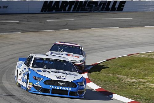 Brad Keselowski dominates in Stage 2 win at Martinsville