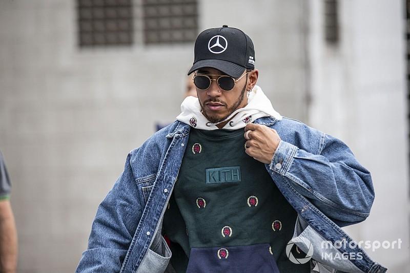 Hamilton szép lassan a Ferrarihoz tarthat, Vettel helyére?