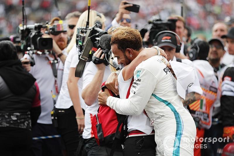 Pilotos, escuderías y amigos felicitan a Hamilton vía redes sociales