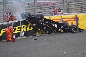 Vídeo y fotos: el espectacular accidente de Nico Hulkenberg
