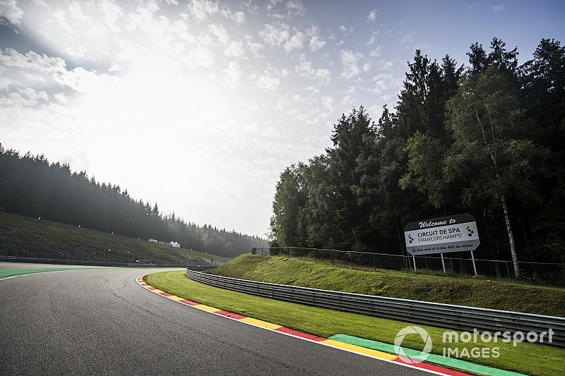 F1 en F3 houden minuut stilte voor overleden F2-coureur Hubert