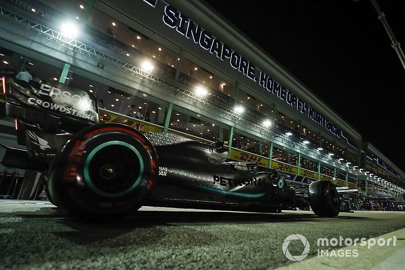 Photos - Les Formule 1 en piste à Singapour