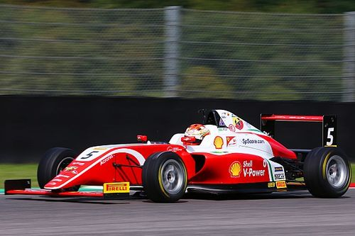 Gianluca Petecof termina rodada da F4 italiana no top-5 em Mugello