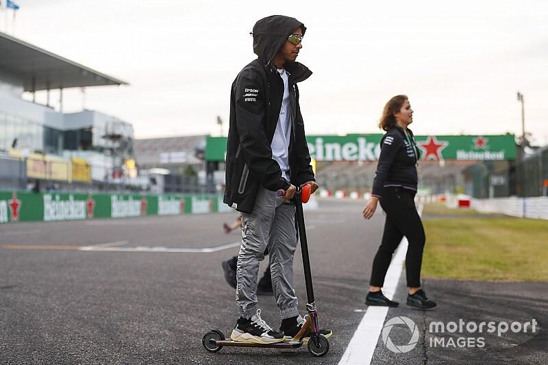 Hamilton szerint ez egy igen nehéz év a Mercedes számára