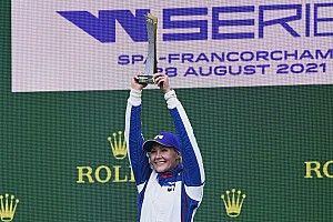 W Series Spa: Kimilainen gana a Chadwick en carrera con lluvia