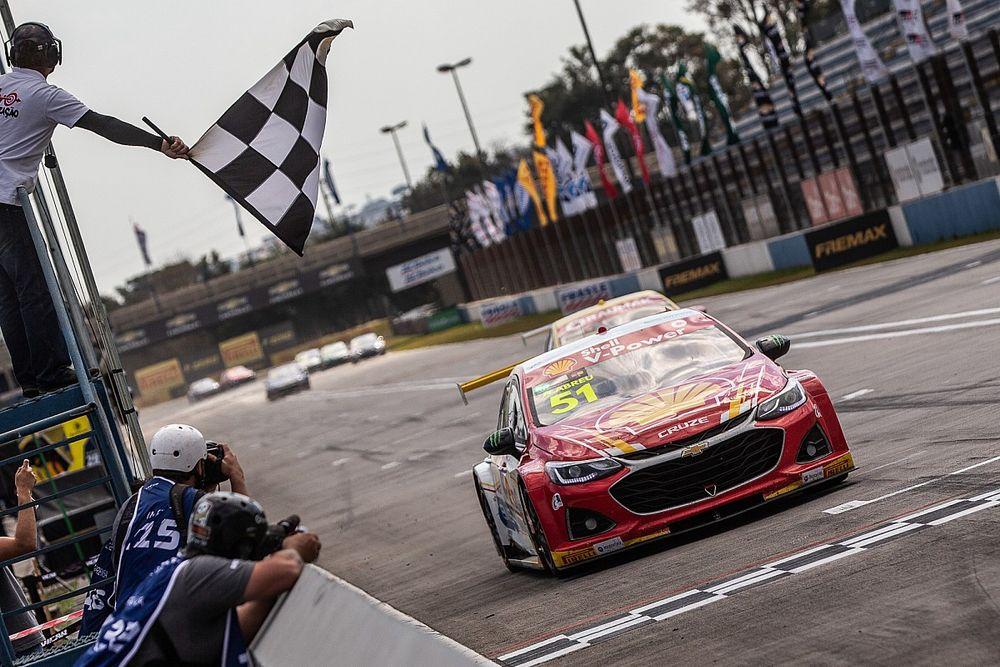 Stock Car: Átila Abreu vence no anel externo de Curitiba