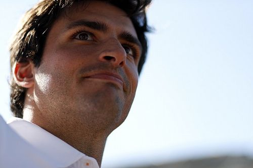 """Sainz, """"entusiasmado"""" por su futuro en Ferrari"""